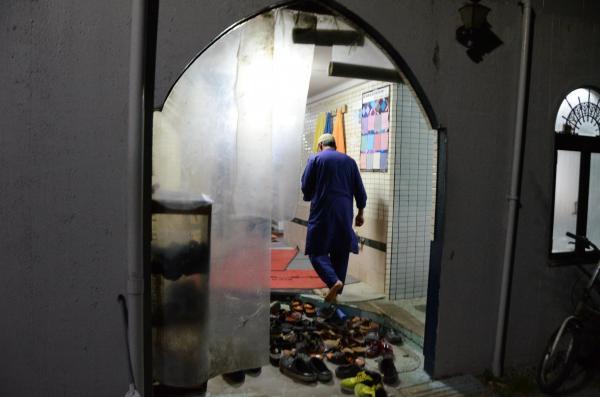 埼玉県春日部市の住宅街にたたずむモスク