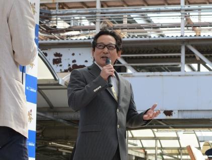 笠松競馬出身で中央競馬でも活躍した元騎手の安藤勝己さん=4月26日、笠松競馬場