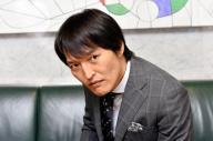 千原ジュニアさん=いずれも大阪市北区の関西テレビ、バンリ撮影