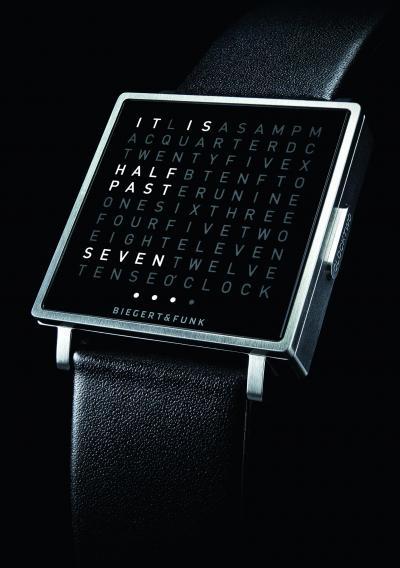 腕時計バージョンもあります(写真は英語表記)