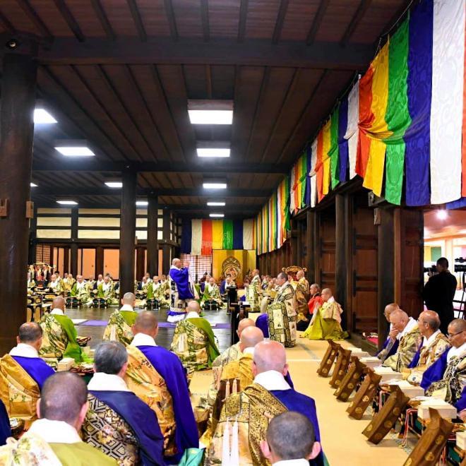 知恩院で営まれた法要=京都市東山区、知恩院提供