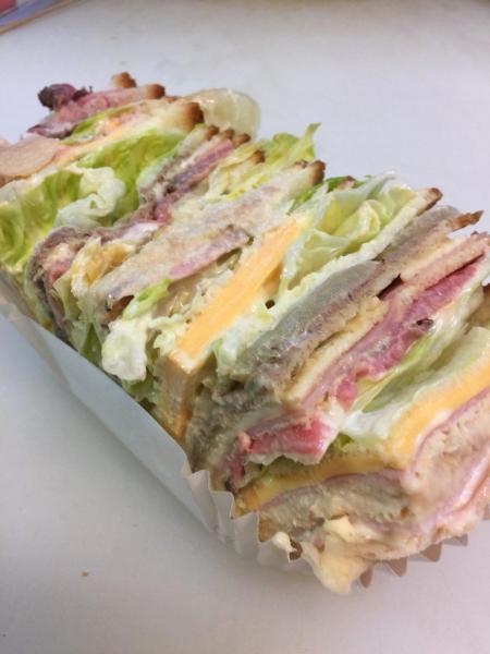 昨年販売したサンドイッチ「流山フィーユ」(今年は作っていないそうです)