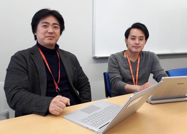 産業技術総合研究所で子どもの事故予防について研究している西田佳史さん(左)と北村光司さん=東京都