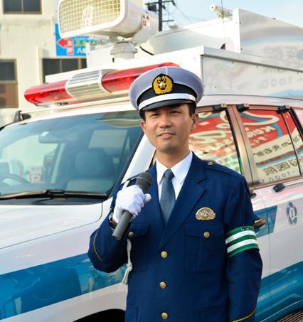 交通安全に特化した福岡県警のDJポリス・神矢直樹さん=2018年4月、北九州市
