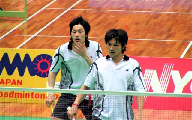 日本ユニシス実業団の現役選手時代の福井さん(右)