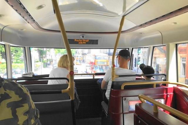 ロンドンバス、2階席の様子