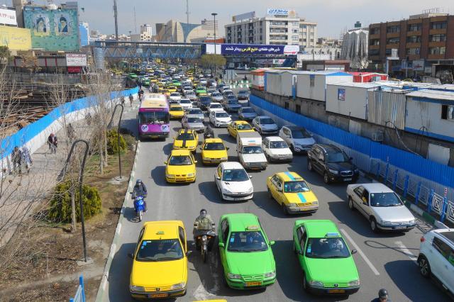 イランの首都テヘランのタクシー