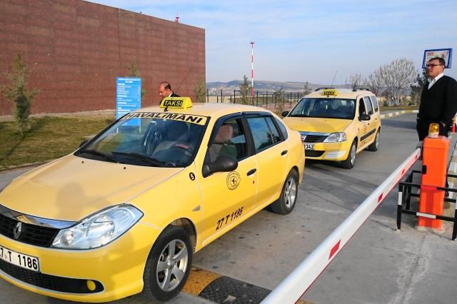 トルコ南部ガジアンテップのタクシー
