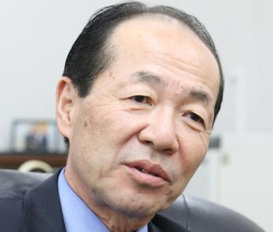 新しく駐ミャンマー日本大使になった丸山市郎氏。軍事政権時代から何度もミャンマーで勤務し、閣僚らとも通訳を通さずに会話できる=2018年4月、ミャンマー・ヤンゴン