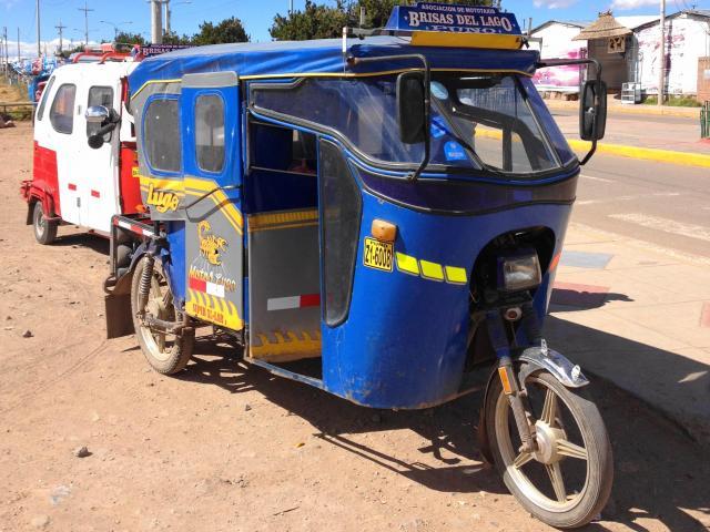 ペルーの「モトタクシー」