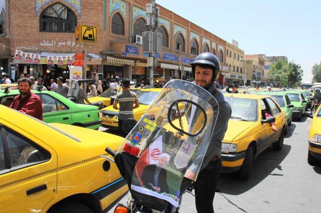 イランのバイクタクシー