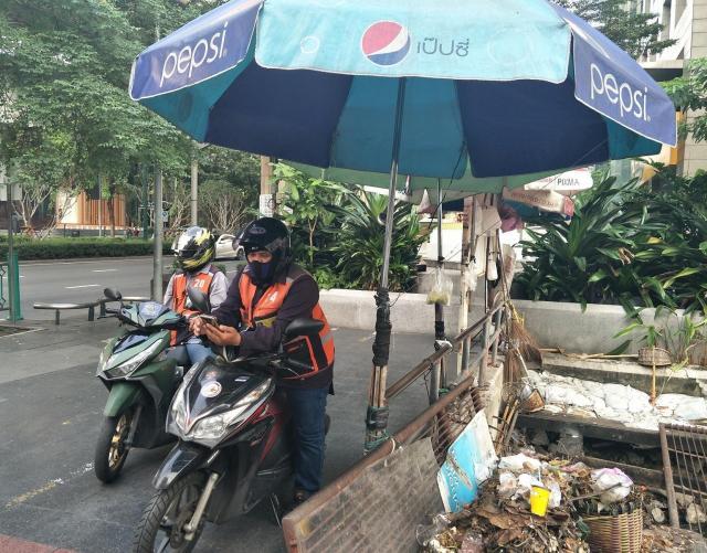 バンコクのバイクタクシー