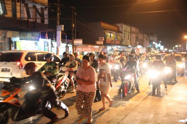 夜のジャカルタ、やはり渋滞
