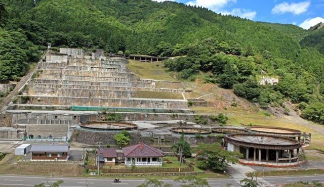 神子畑選鉱場跡の全景=朝来市教育委員会提供