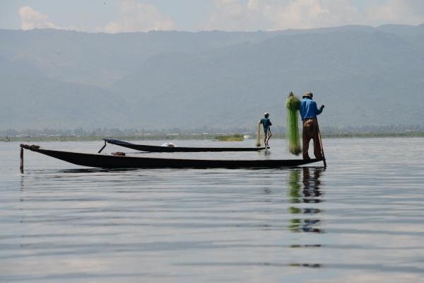 ミャンマー・インレー湖の船
