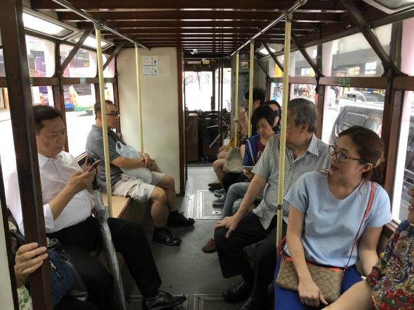 香港の路面電車、車内の様子