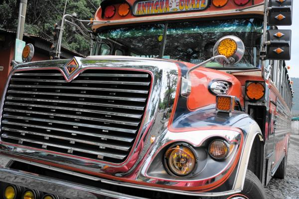 グアテマラのバス