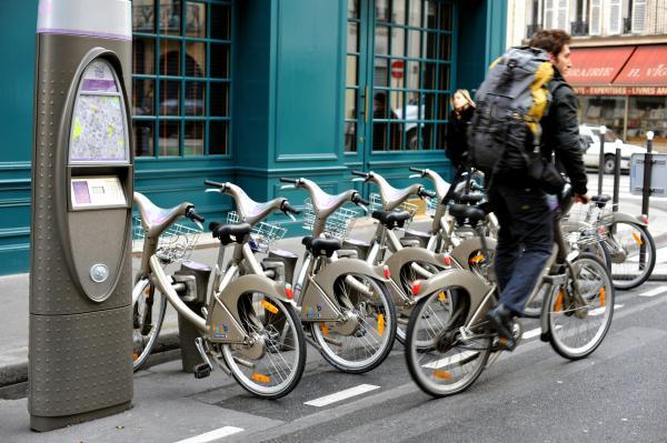 パリのシェアサイクル「ベリブ」