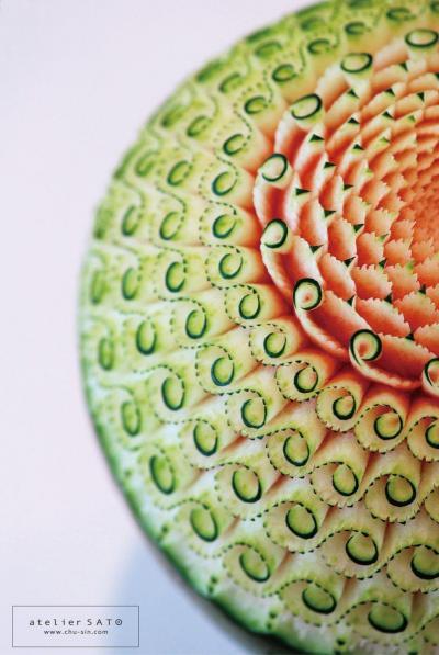 佐藤朋子さんが制作したフルーツカービング