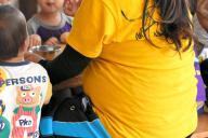 まもなく産休に入る保育士。1歳児クラスを担当しており、子どもに合わせて毎日動き回っている