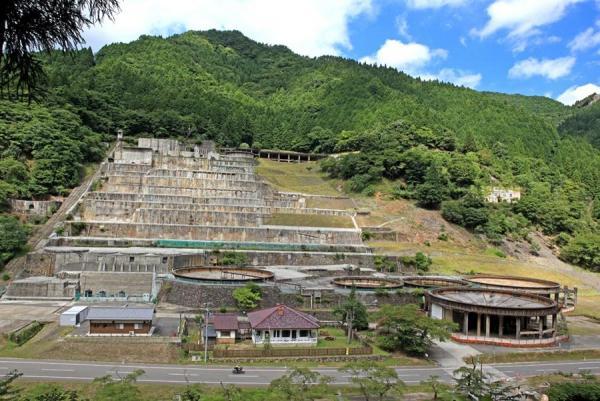 神子畑選鉱場の全景=兵庫県朝来市、朝来市教育委員会提供