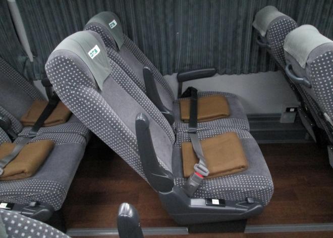 乗車時にすでにリクライニングさせてあるオリオンバスの座席