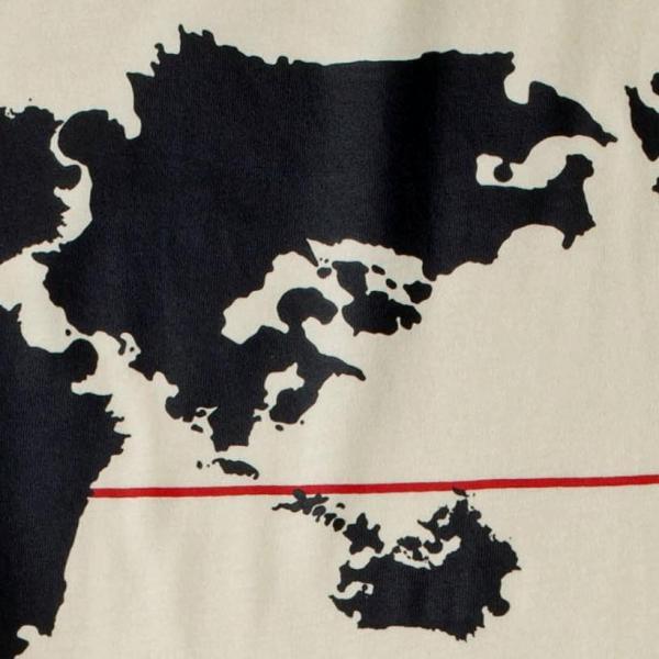 遠目に見ると世界地図ですが、すべての大陸がそれぞれ九州のかたちになっています