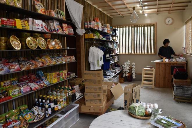 人口73人の島で生まれた「20年ぶりの商店」竹のいえの店内