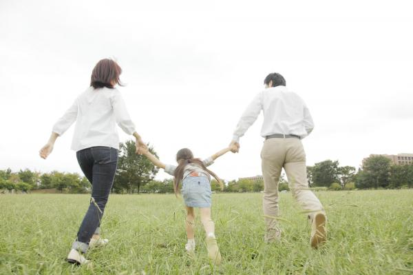 【一人っ子ハラスメント】核家族化が進む今でも、「子どもが多い方が良い」という社会意識は根強い。周囲の価値観に、産み方をしばられてしまう家庭もある。