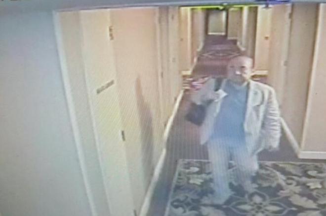 襲撃される約1時間半前の金正男氏の映像。クアラルンプール市内のホテルをチェックアウトし、空港に向かった=関係者提供