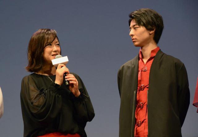 女優の和久井映見さん(左)も劇場アニメ声優に初挑戦