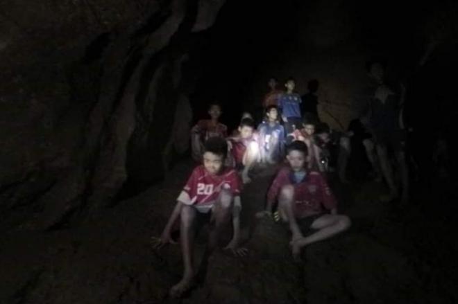 洞窟の入り口から約5キロの場所にいた少年たち。閉じ込められてから9日目の7月2日に見つかった