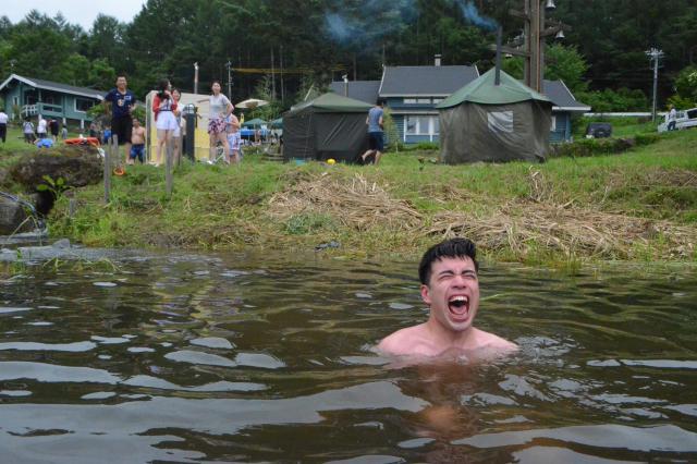 サウナからの湖「サイコ-だ!」