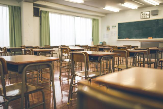 女性は、また高校に通うことを願っています(写真はイメージです)