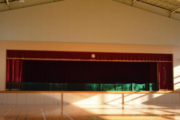 体育館のステージ