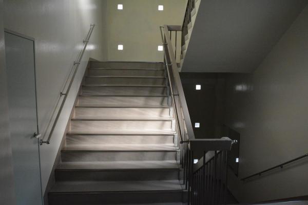 高校の階段