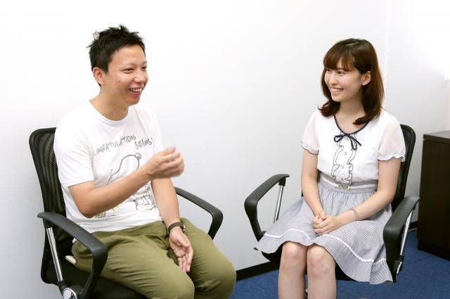 いじめについて語る内藤瑛亮さん(左)と春名風花さん=東京都渋谷区、池永牧子撮影