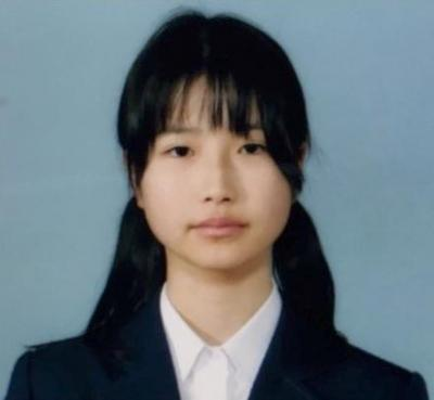 中学時代、受験用に撮った写真です