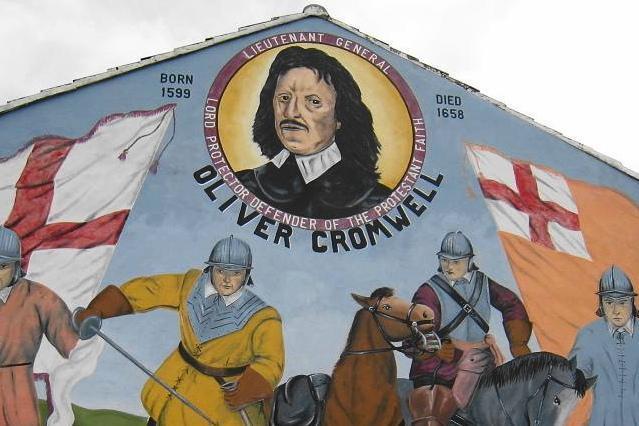イギリス領・北アイルランドのベルファストで家屋の壁にあったクロムウェルの肖像画