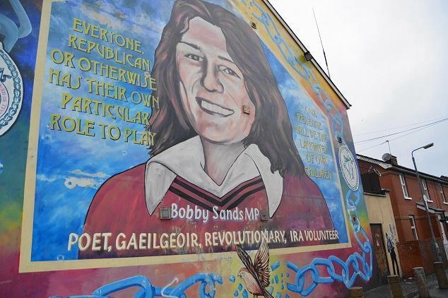 カトリック系過激派アイルランド共和軍(IRA)の闘士、ボビー・サンズの壁画