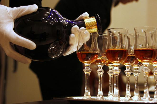 金正男氏が好きだった高級ウイスキー「ロイヤルサルート」=ロイター