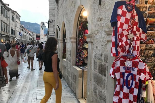サッカー・クロアチア代表のユニフォームも売っていた