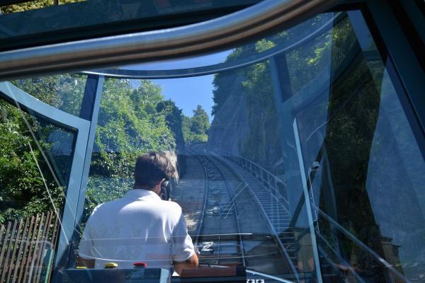 グラーツの城山を登るケーブルカー