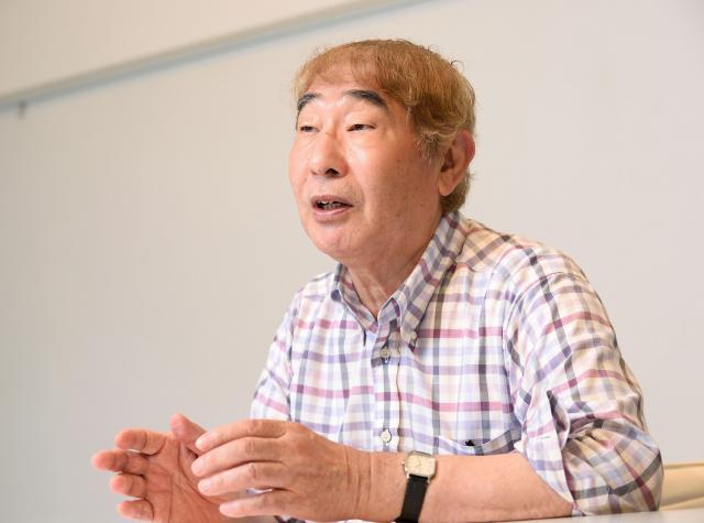 えびす・よしかず 1947年、熊本県生まれ。生後すぐ長崎市に移る。高校卒業後、ちりがみ交換の作業員、掃除用品の営業マンなどを経て33歳で漫画家に。「ヘタウマ」な画風の草分け的存在で、不条理な作風で注目を集める。タレントや俳優としても活躍。著書に「ひとりぼっちを笑うな」(角川書店)、「地獄に堕ちた教師ども」(青林工藝舎)など。70歳。
