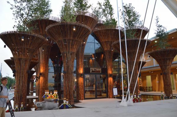 2015年にイタリア・ミラノであった万博のベトナム館。ハスをイメージしている