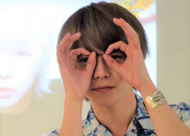 よきき 青森県出身。メイク系のコンテンツを中心に動画を配信。10代を中心に高い人気があるユーチューバー。チャンネル登録数は100万人超え