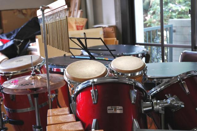 楽器がたくさんある音楽準備室が安息の場所だった(写真はイメージです)