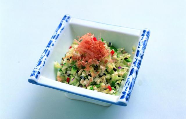 家庭ごとに独自の味付けがあり、豆腐やごはんにかける「だし」