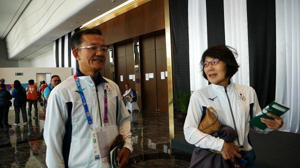 ペアを組んだ上田哲也さんと妻の真理子さん。「全力を出し切りました」と話した=2018年8月、ジャカルタ