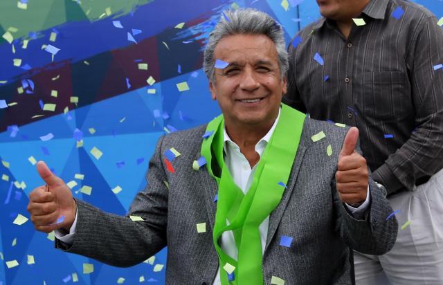 エクアドルの首都キトで2017年4月、大統領選に勝利して笑顔を見せるモレノ氏=ロイター